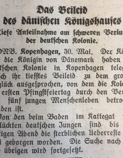 Hier ist ein Zeitungsausschnitt eines Artikels, welcher besagt das der König ein persönliches Beiled geschrieben hat an das Kolonihaus der Sankt Petri Schule